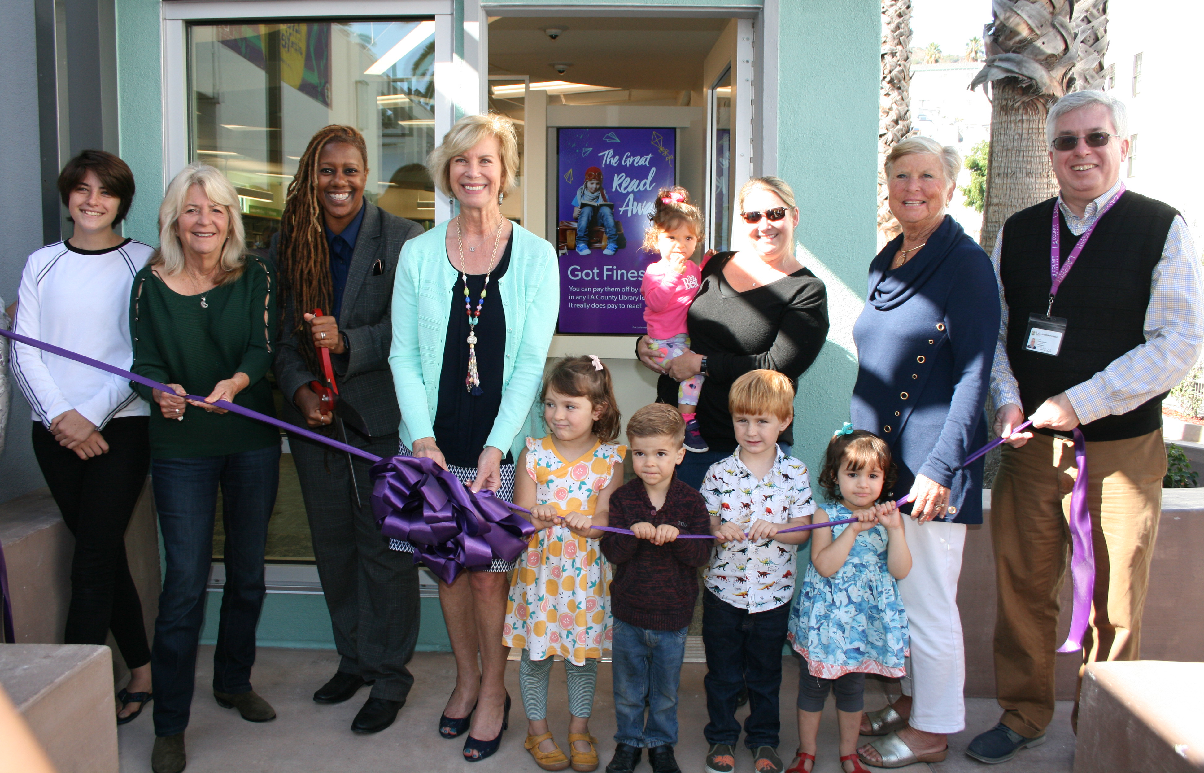 Library returns to big fanfare - The Catalina Inslader